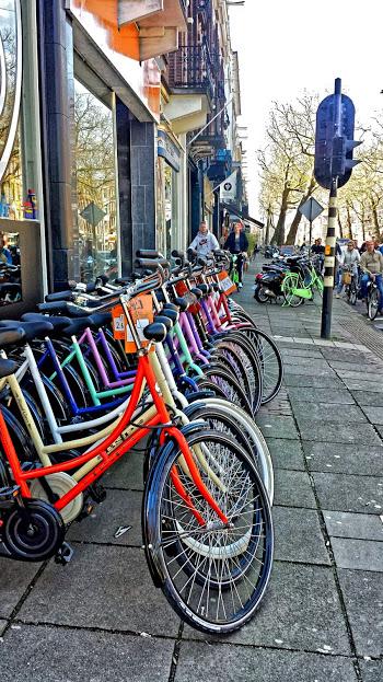 biciclete colorate amsterdam