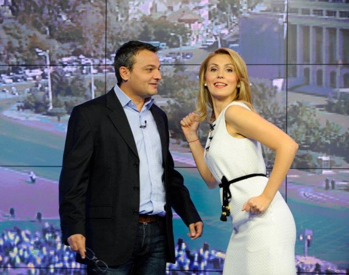 A venit apoi TVR. O perioadă scurtă, e drept. Cu Misu Radulescu am facut o super-echipă. Era vremea lui TVR Info. Eu eram prea grabită pentru ritmul televiziunii naţionale, dar a fost o experienţă minunată.